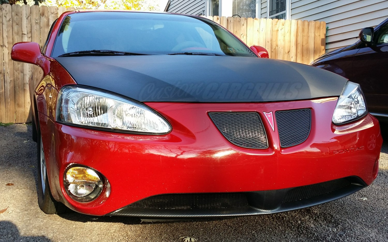 Custom Mesh Grill For Pontiac Grand Prix on Black 2004 Pontiac Grand Prix