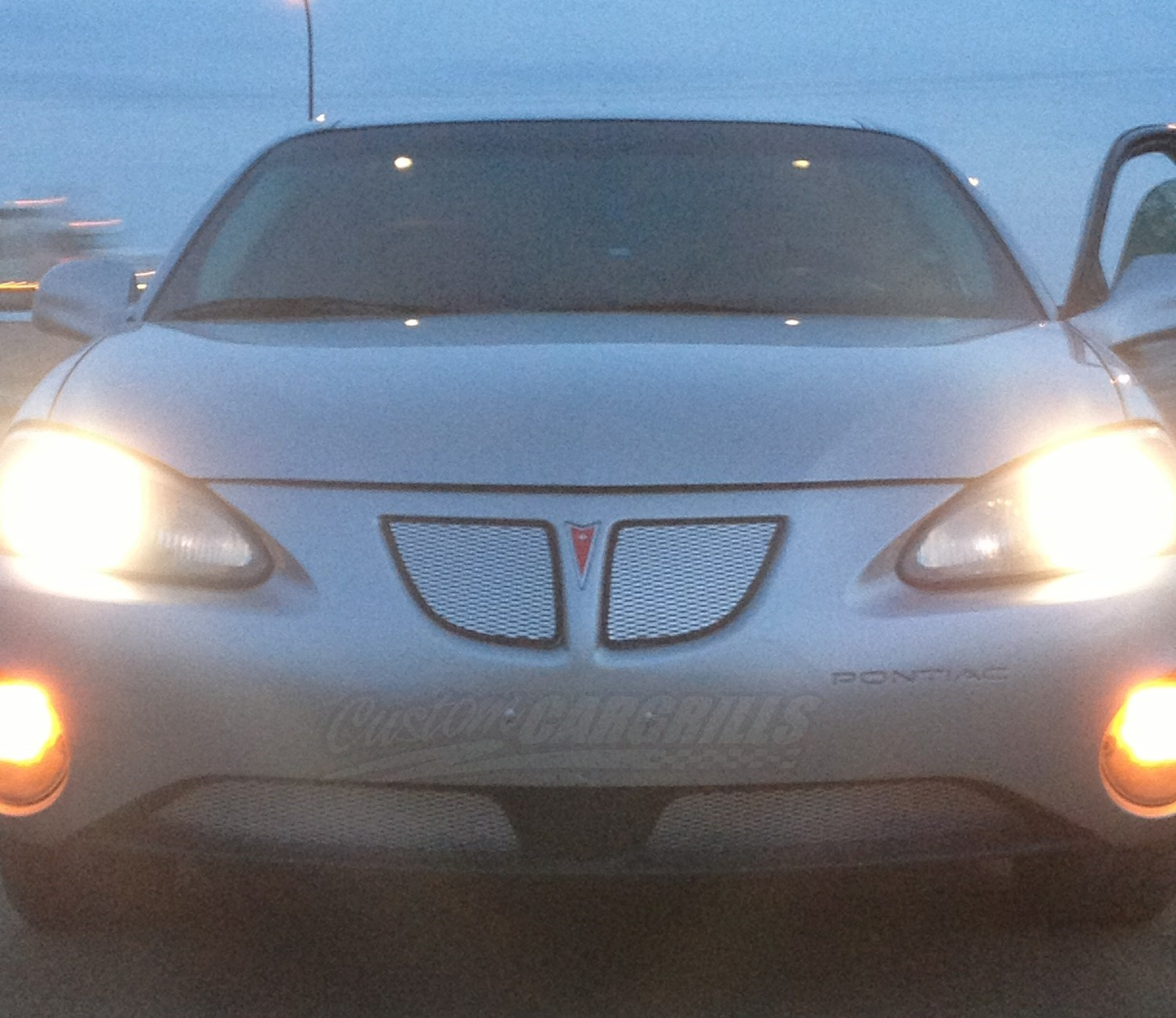 2004 08 Pontiac Grand Prix Mesh Grill Insert Kit By