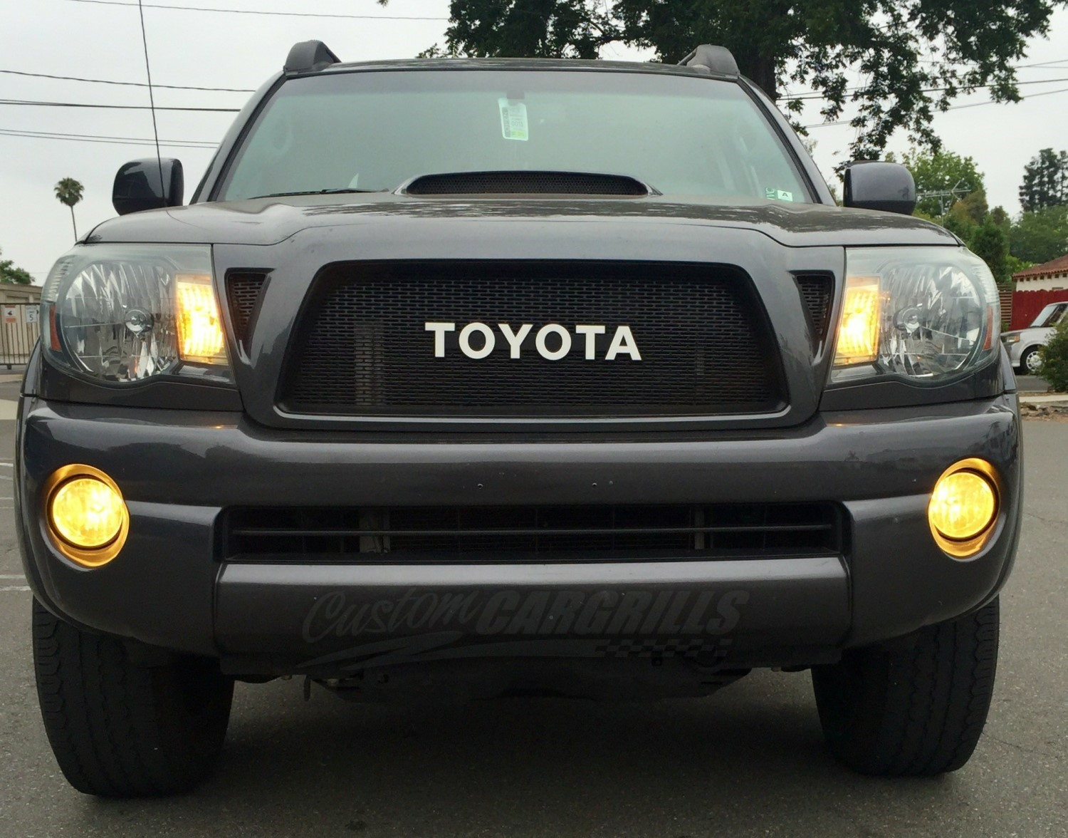 2005 11 toyota tacoma mesh grill insert by customcargrills