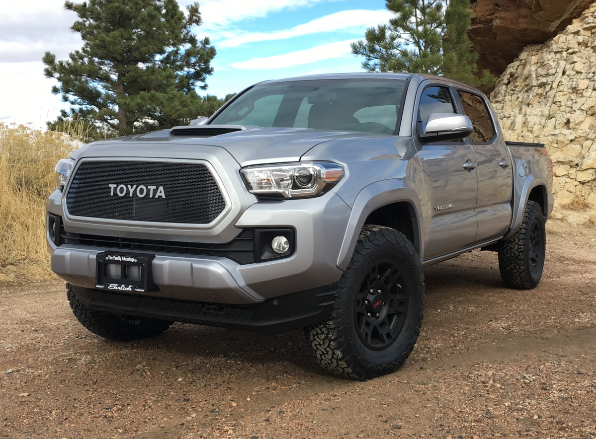 2017 toyota tacoma custom grill. Black Bedroom Furniture Sets. Home Design Ideas